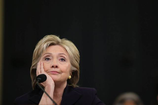 HillaryClinton2-bored